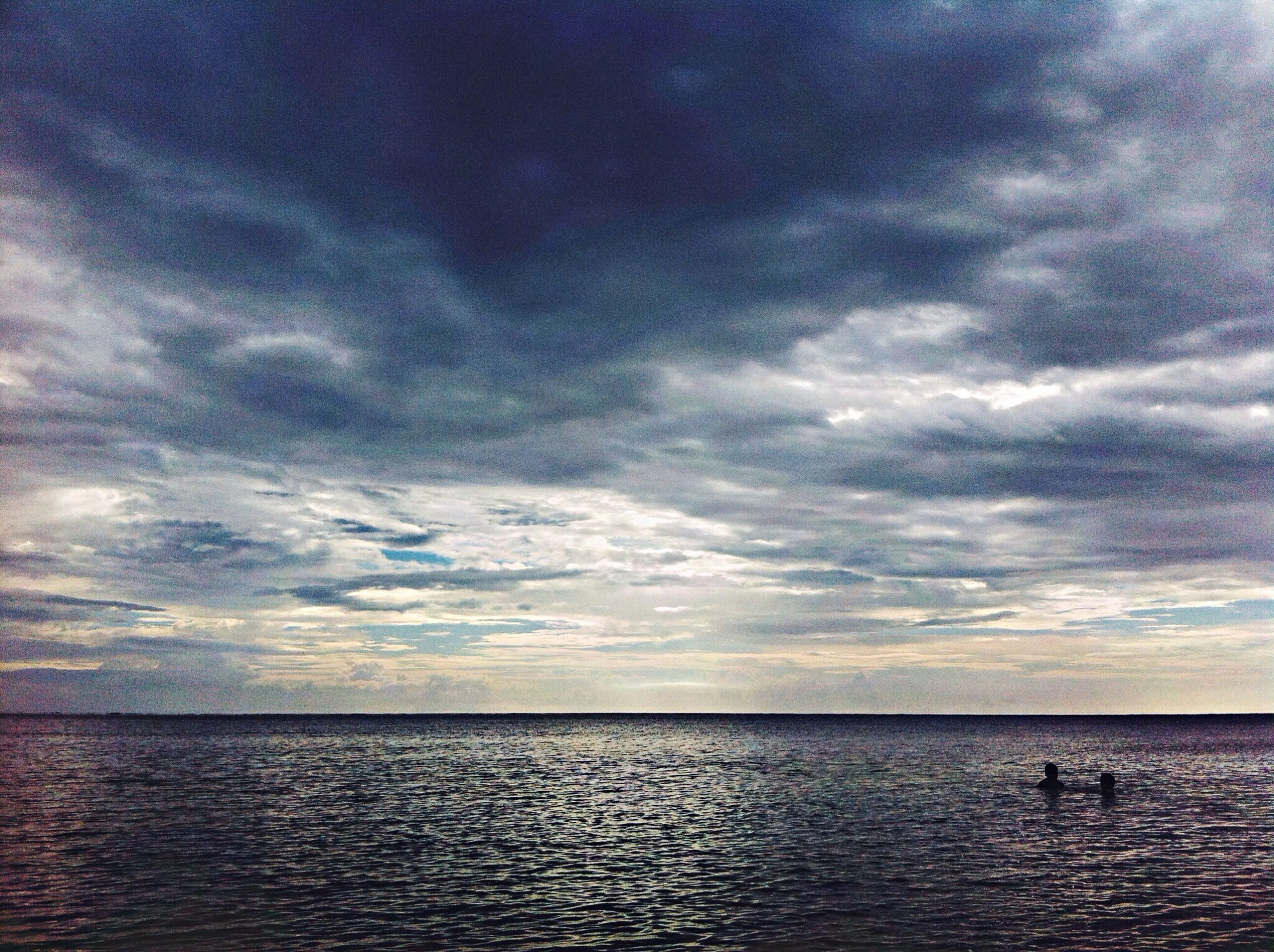 sea, horizon over water, water, sky, tranquil scene, scenics, tranquility, waterfront, cloud - sky, beauty in nature, cloudy, nature, cloud, seascape, idyllic, overcast, weather, dusk, rippled, calm