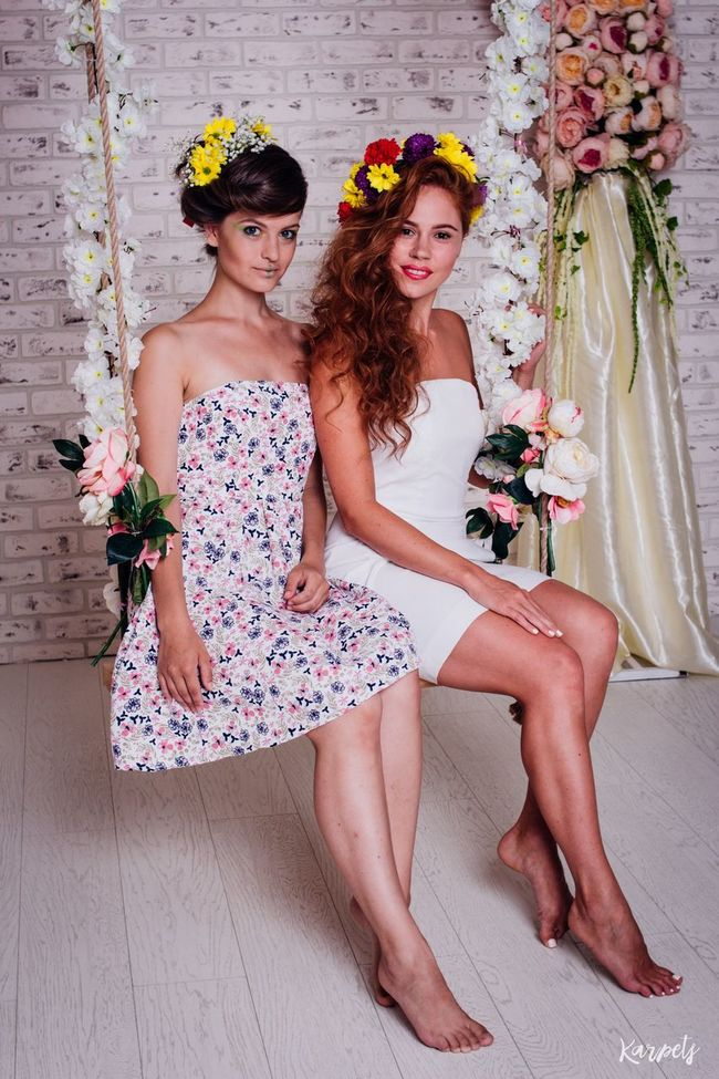 Enjoying Life Relaxing EyeEm Smile Photography Moscow Redhead EyeEmBestEdits Beautiful Russia Studio Photography Photo Happiness EyeEm Best Shots BestEyeemShots Karpetsphoto Hair Hairstyle Russian Girl Studio Colours Flowers Nature Seesaw