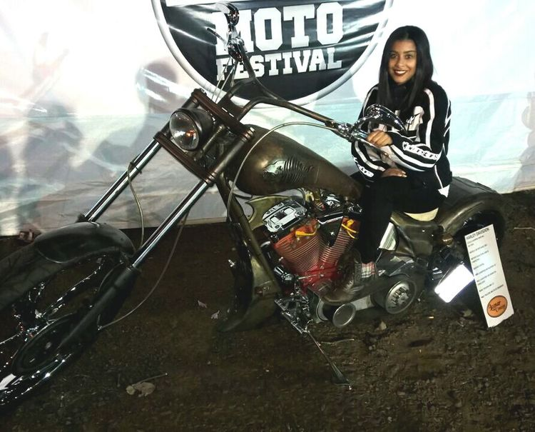 Para comemorar o dia com estilo 👯 Motorcycles Motos Estrada Totalmentedemais