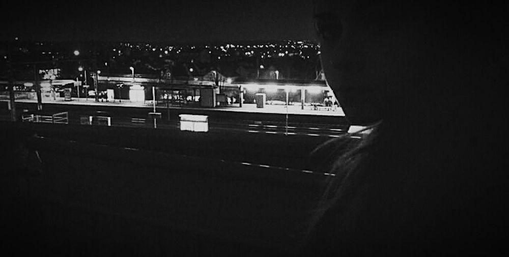 French Girl Blaclandwhite Dulove Friend!❤ Nightkeepuscool Cityissleeping Public Transportation Notes From The Underground Hello World Mon amie, jamais je ne te laisserai devenir mon passé. ?