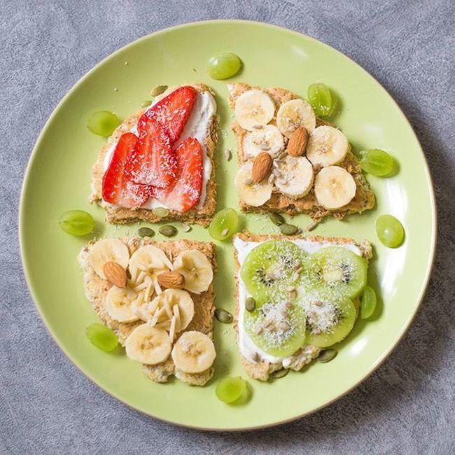 Owoce uzupełnione więc śniadanie takie kolorowe😊Masło orzechowe własnej roboty i banan ojoj pycha!😊W sklepach masakra.Dobrze,że już wszystko kupione,no prawie wszystko... radzę nie wybierać się już jeśli nie macie potrzeby heh😊Udanego dnia😀U mnie brzydko...a miało być słoneczko😦 Breakfast śniadanie Omlet Otręby Owoce Fruits Migdały Kokosy Serek Naturalny Masło Orzechowe Healthy Food Instafood Delicious Yummy Fit Workout Polishgirl Poland Foodporn Healthyfood Instafood Home homesweethomelikeforlikel4lf4f
