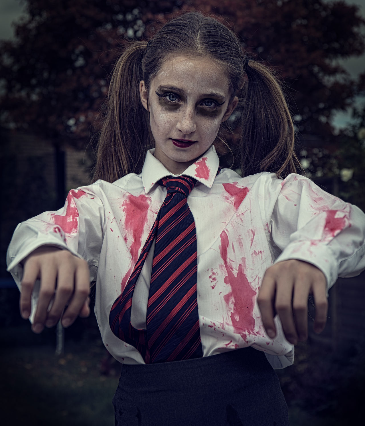 Canon Canon 5d Mark Iv Cloud-sky Facing The Camera Fancydress Focus On Foreground Front View Halloween Haloween Long Hair Outdoors Outdoors Photograpghy  Person Speedlight Strobe Youngnuoflash Zombie Zombiegirl