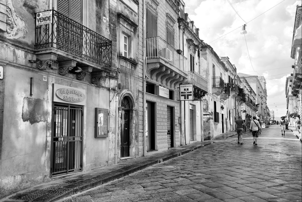 World Heritage town of Noto Architecture Black & White Black And White Blackandwhite Building Bw Bw_collection City City Life Cloud Cloud - Sky Day Diminishing Perspective Façade Italy Italy❤️ Noto Outdoors Residential Building Sicilia Sicily Sky The Way Forward Vanishing Point Walkway