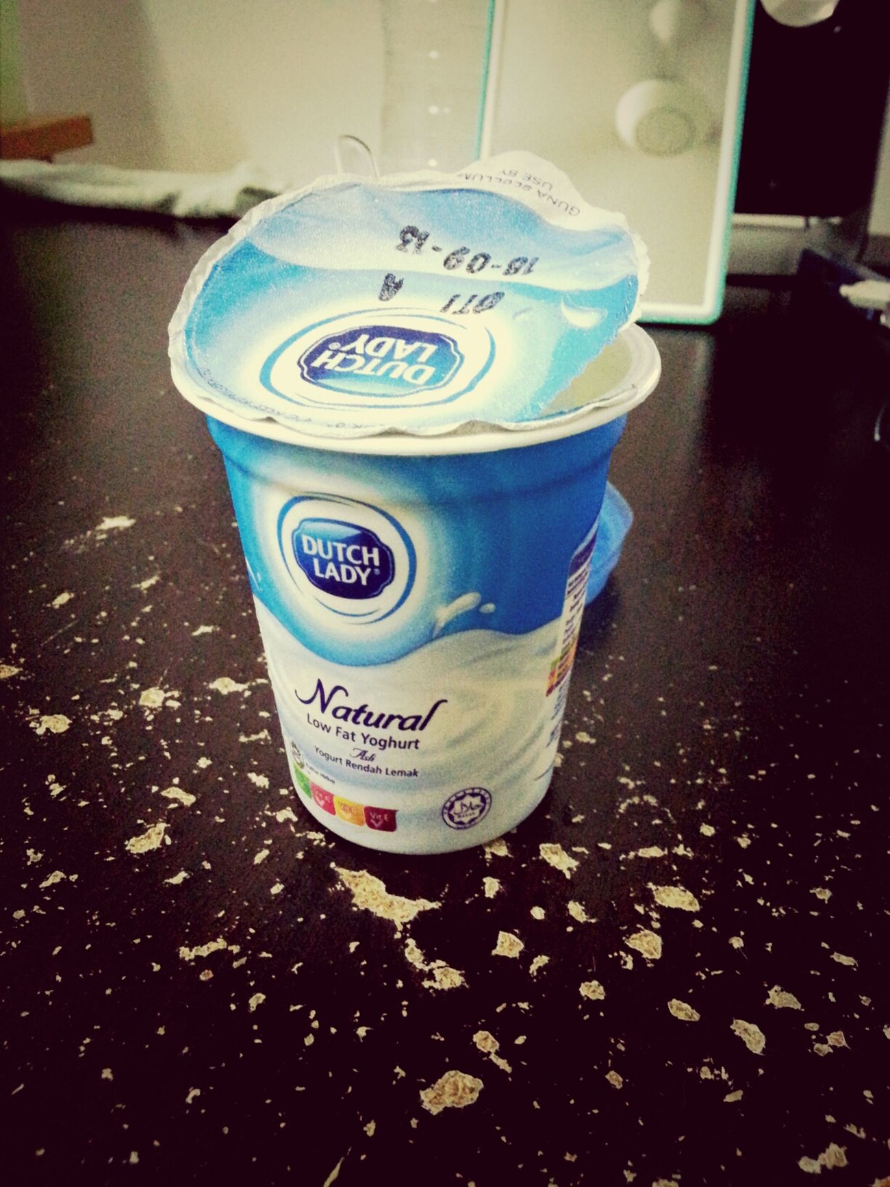 Ewwhh. .taste sucks! still prefer the swiss premium yogurt. first scope in my mouth I directly thrown up. heavy milk smell and taste like chessy chessy. Cheese and milk is never been my choice...Geliii!!><