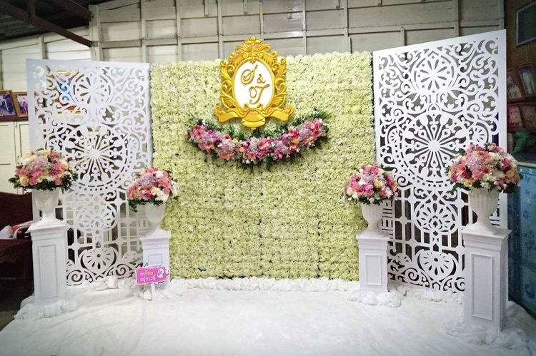 Backdrop Flower Creativity No People Lantern Yellow Indoors  Built Structure Fragility Sculpture Flower Arrangement Architecture Day