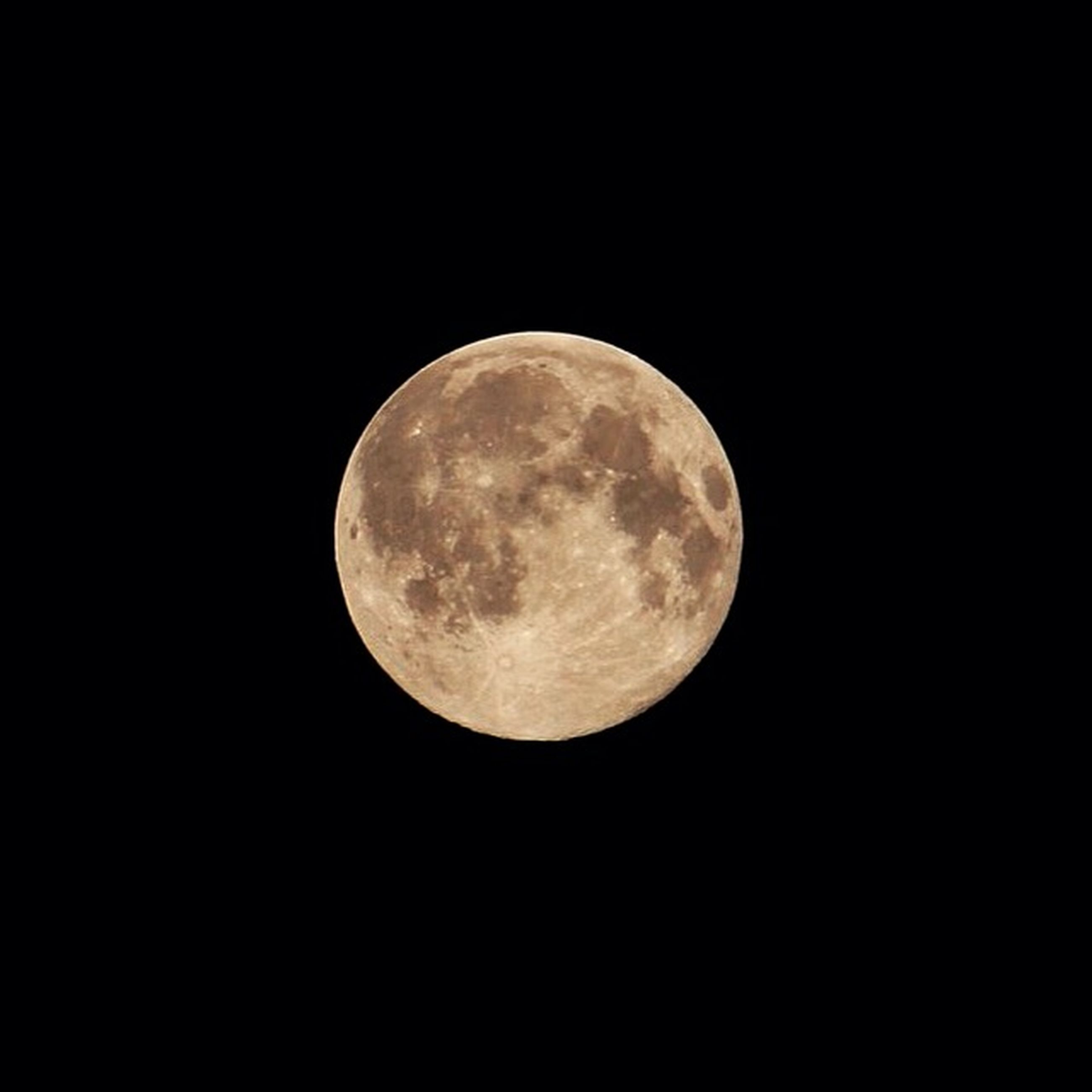 moon, astronomy, night, full moon, planetary moon, moon surface, circle, low angle view, beauty in nature, discovery, sphere, tranquil scene, tranquility, scenics, space exploration, copy space, nature, dark, majestic, sky