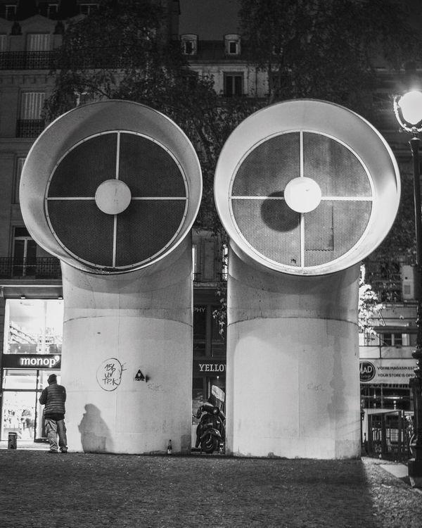 Walking Around Promenade Paris Paris By Night Centre Pompidou Beaubourg Alone Black And White Noir Et Blanc Architecture EyeEm Gallery Eyeem Image
