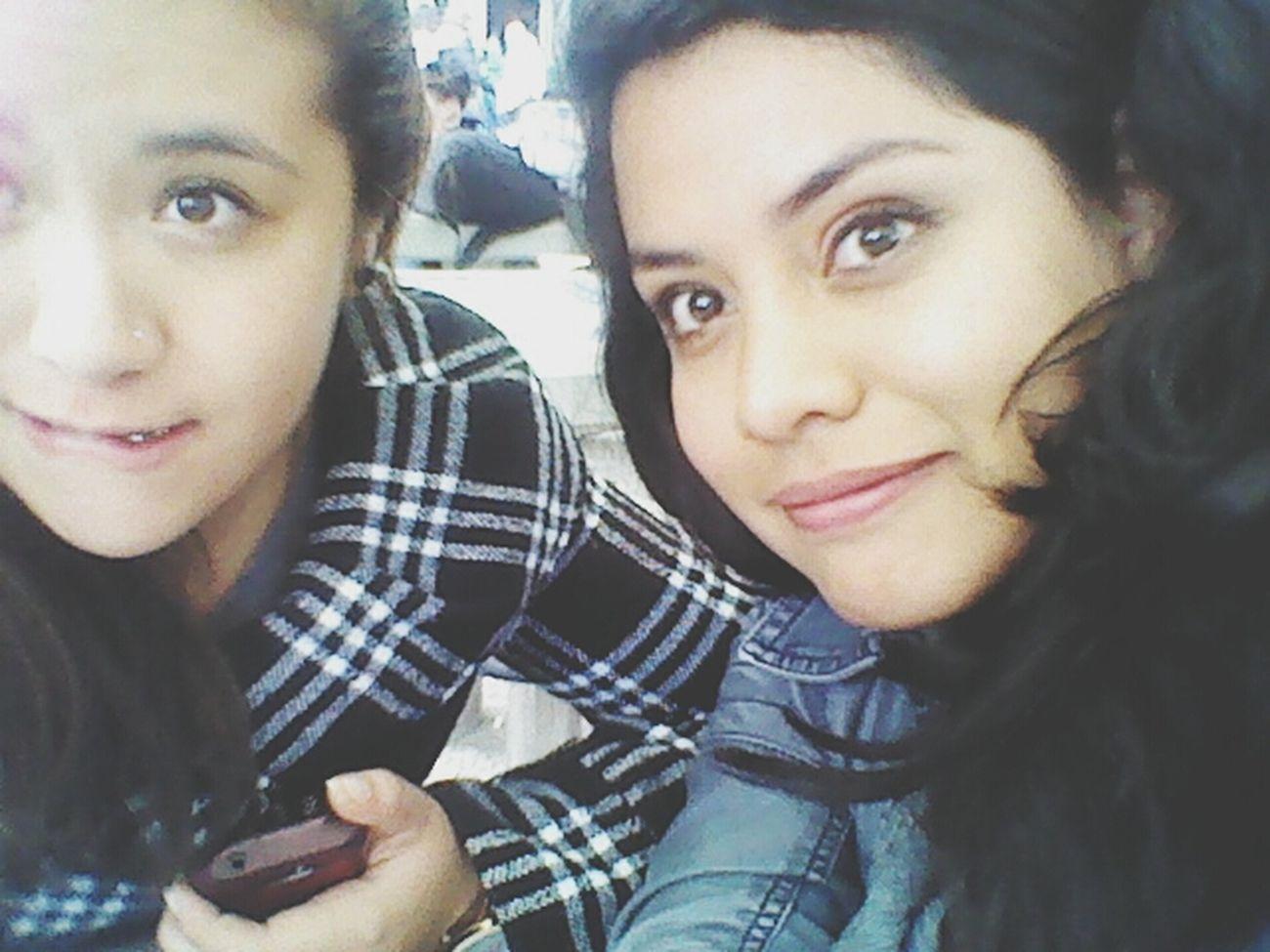 Con la novia de mi mejor amigo :)