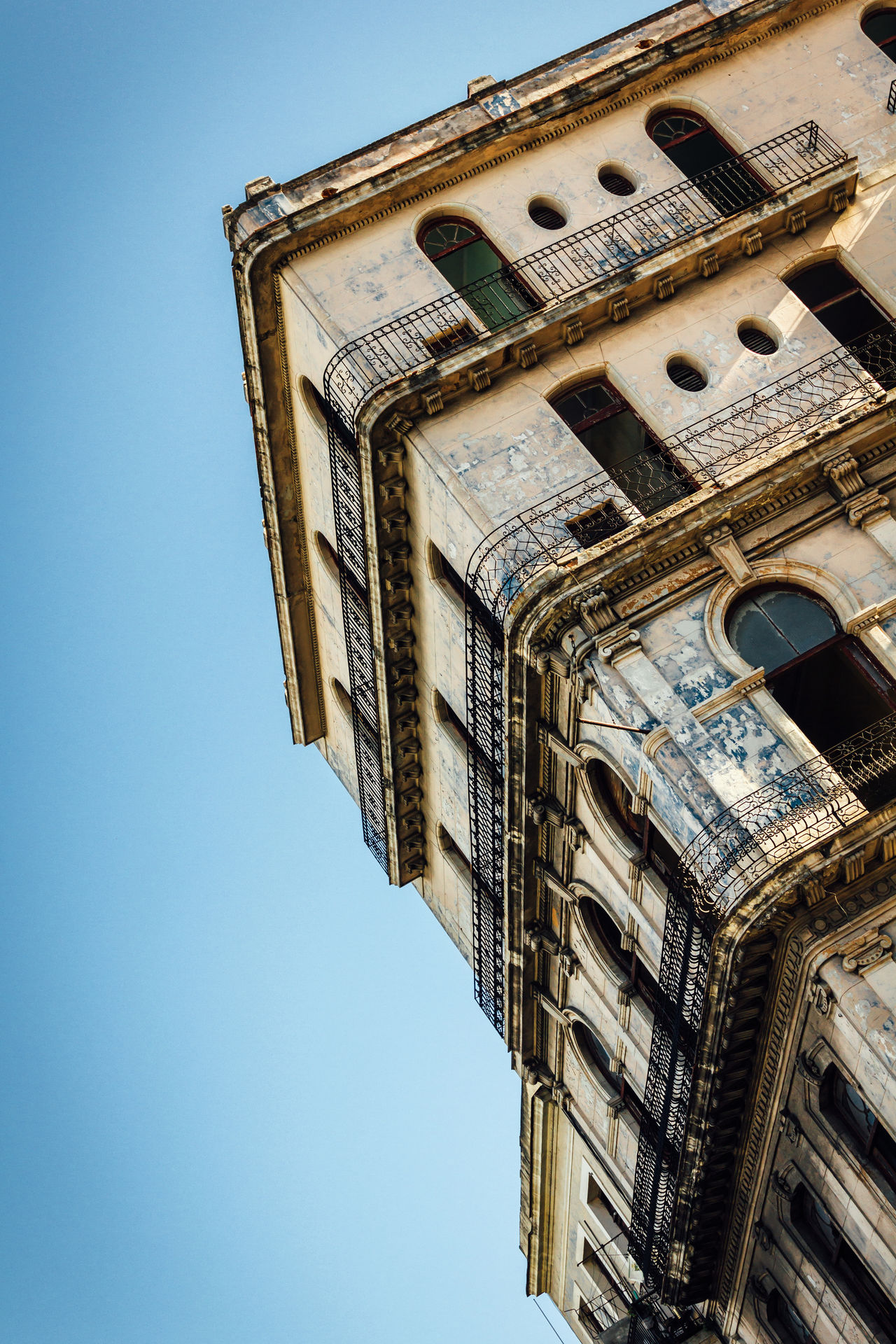 Architecture Building Exterior Built Structure Clear Sky Cuba Collection Cuban Life From My Point Of View Geometric Shape Low Angle View Old Buildings Outdoors Sky