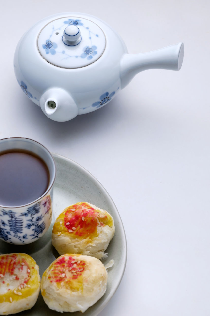 food and drink, teapot, food, refreshment, freshness, no people, drink, tea - hot drink, healthy eating, white background, indoors, ready-to-eat, close-up, day