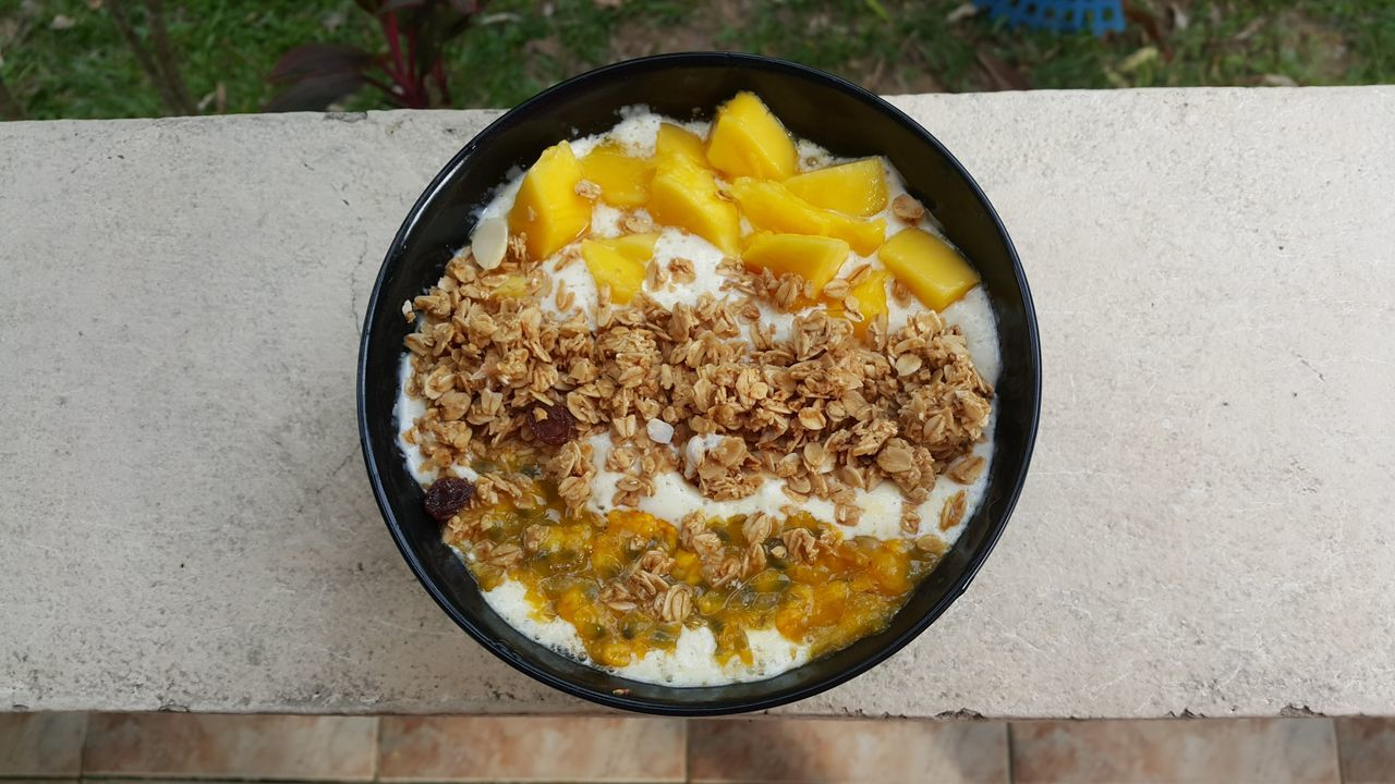 My Favorite Breakfast Moment Smoothie Smoothiebowl Mango Passionfruit Muslie