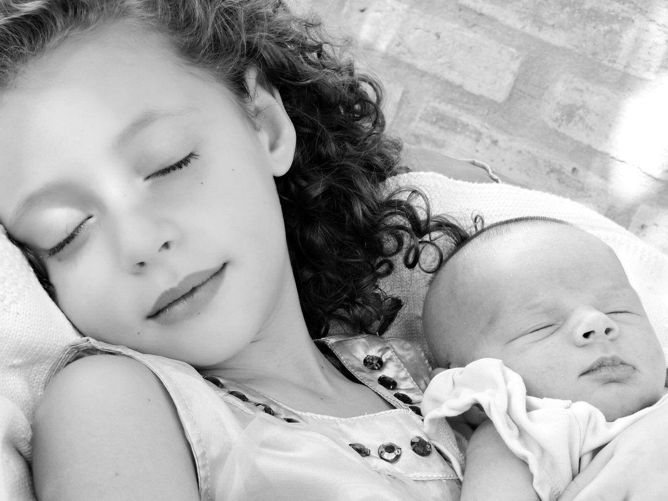 Ternura Day Innocence Sleeping Childhood Relaxation Cute Resting Girls Innocence Tranquility Fragility Kids Sisters Hermanas Sister Hermana Ternura Cuteness