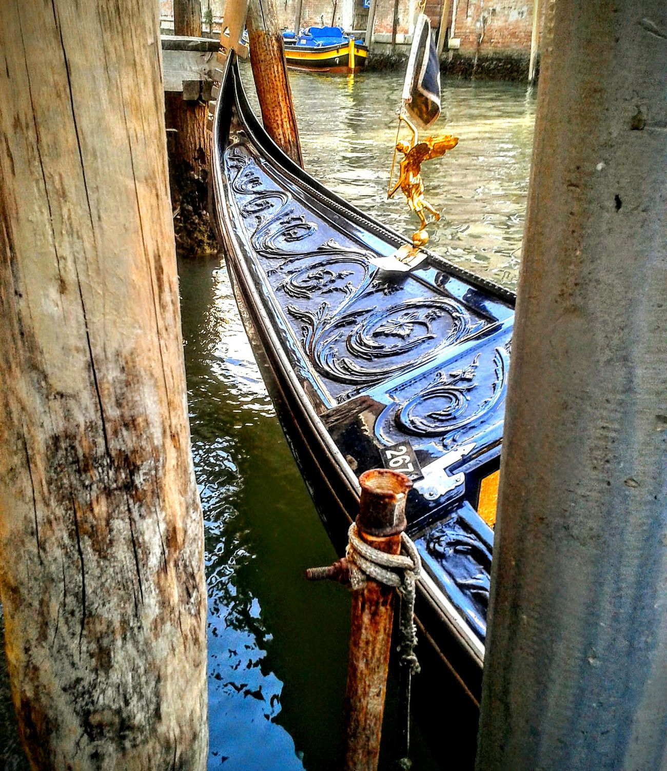 Transportation Gondola - Traditional Boat Taxi Boat Venezia Italy Venezia Canals Veneziagram Exceptionalphotographs Exceptional Photographs EyeEm Gallery The Great Outdoors - 2017 EyeEm Awards The Photojournalist - 2017 EyeEm Awards History Through The Lens  Excellent Shot