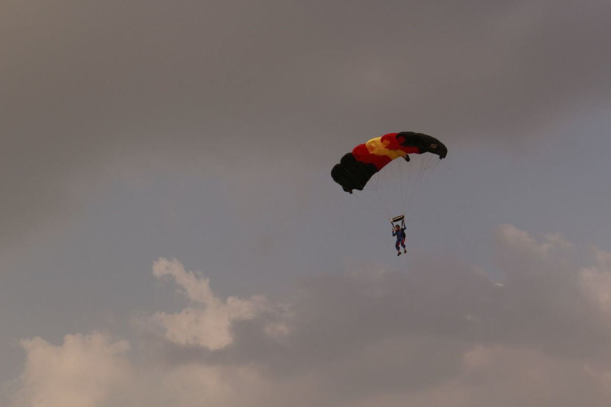 Skydiver Aerobatic Base Jumping Canopy Cloudy Sky Descending Drop Zone Extreme Sports Jumper Parachuting Parachutist Paragliding Sky And Clouds Skydiver