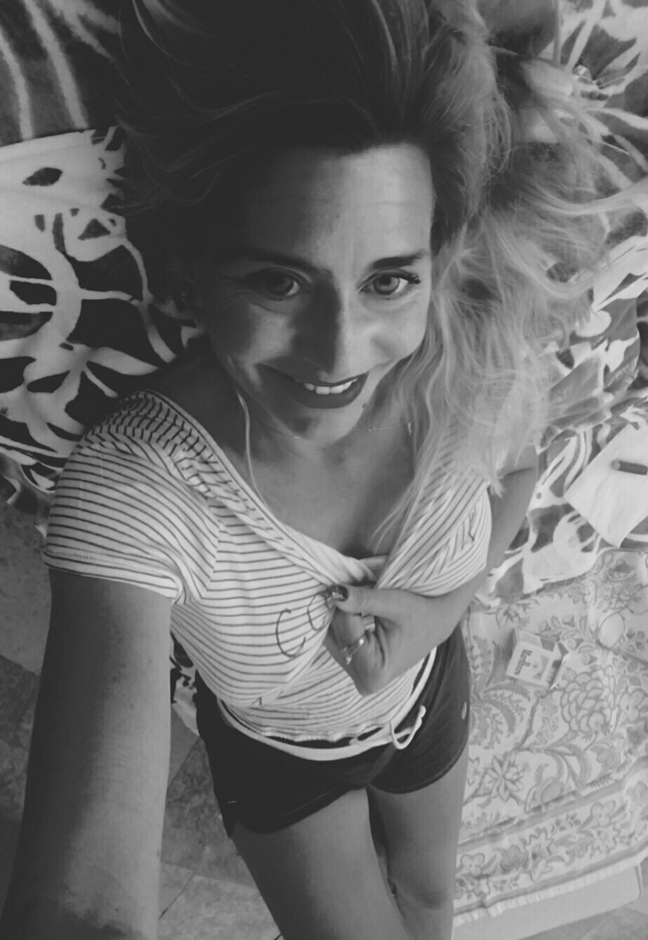 Perfect Timing Perfectblackandwhite Blackandwhite Photography That's Me SharingmySmile HappySunday✌ Offandout Lots Of Love Make Magic Happen Share Your Adventure Womanselfie Youknowwhatimean
