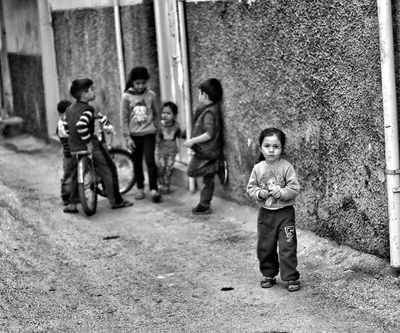 Photohobycanokkali Hatay  çocuk Child Children Childhood Amateurphotographer  Amateurphotography Antakya Photographer Canon Antakyasokakları Canonphotography Canon70d MonochromePhotography Monochrome Fotograf Siyahbeyazfoto Streetphotography MyPicture Photobycanokkali Bwphotography Photooftheday MyPhotography Photographercanokkali