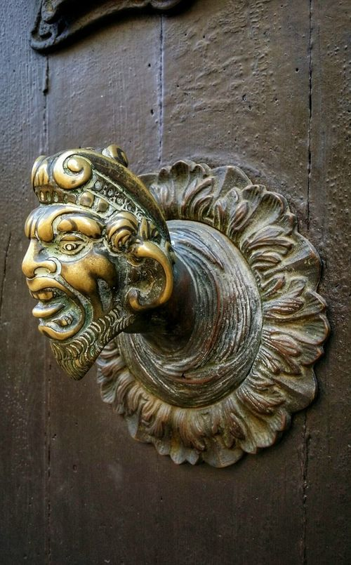 Macro Beauty Venice, Italy Travel Traveling Travel Photography Mobile Photography Art Fineart Architecture Door Handles Brass Devilish Devil's Head Scary Faces