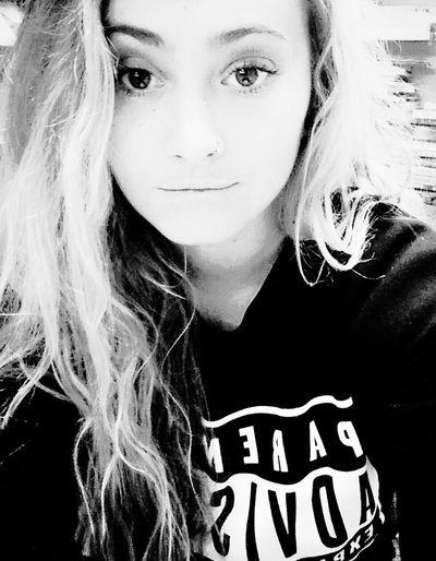 Hi! That's Me Selfie Blackandwhite Hello World
