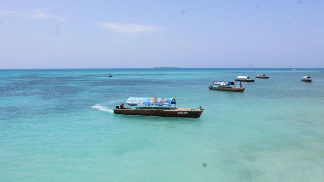 Zanzibar Africa Tanzania African African Beauty African Nature African Sea Beautiful Water Blue Sea Blue Light Blue Boat Boats Old Boat Horizon Over Water Nautical Vessel Transportation Mode Of Transport Scenics Sky Beauty In Nature Tranquil Scene Tranquility Waterfront Nature Calm Seascape Day Ocean Non-urban Scene