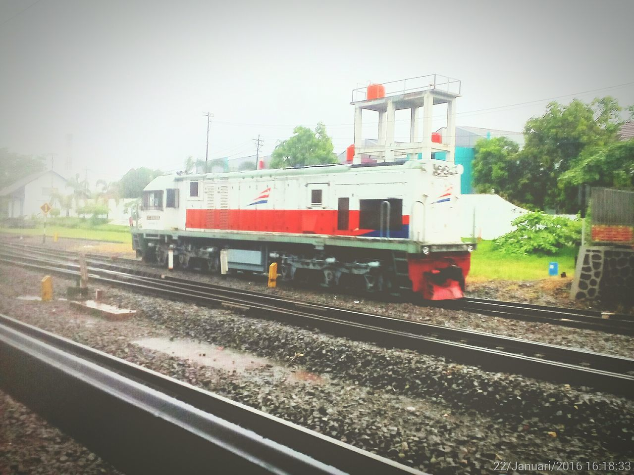 Everything In Its Place Cc204 Lempuyanganstation Alone Cc 204 03 03 Yogyakarta Loco Sheld Trainphotography Indonesiarailways