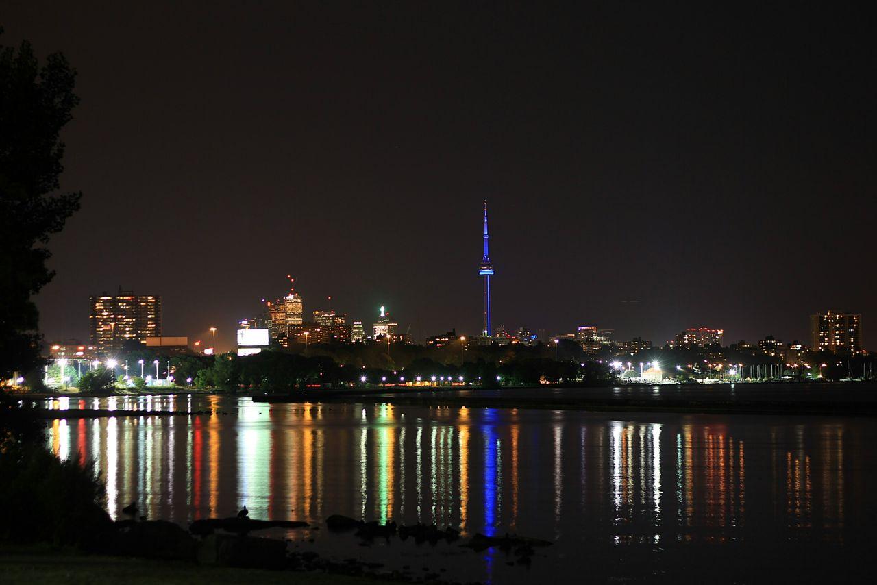 Toronto Torontophotographer Torontoartist Taking Photos Hello World TorontoLife Torontonights Night Nightphotography Night Lights Downtown Toronto Downtown Backgrounds Seeing The Sights
