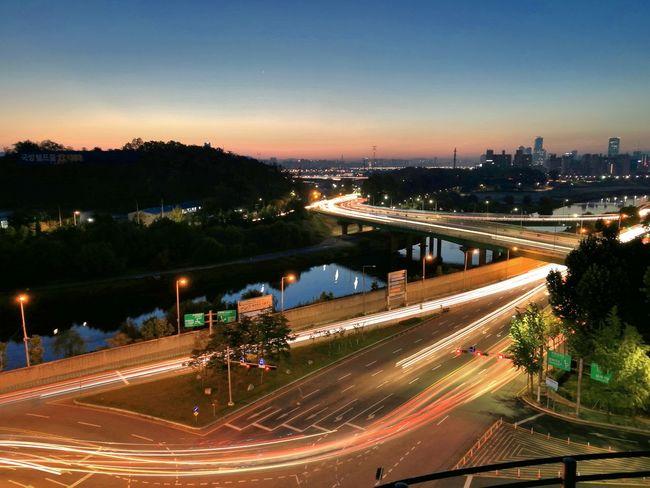 Sunrise_sunsets_aroundworld Cityscape Sunrise Trafficlight South Korea Morning Light Morning Sky Morning View Morninglight Morning Sunrise