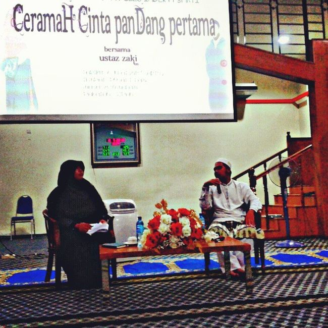 """Alhamdulillah....job done as moderator for forum *Cinta Pandang Pertama with Ustqz Zaki at Pusat Islam UiTM Perak* May Allah bless the knowledge gained.... :"""") *thanks for the students who did came, Allah bless you *special thanks to all the JPK KIS and seki KIS .... All of you done a great job...May Allah bless and ease for the next events... Uitm JPK Seki Kiş HMK forum almightybless"""