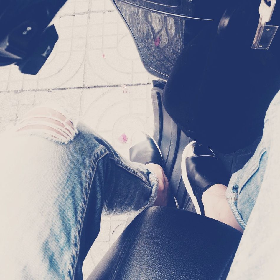 Street Style Waiting ... Boring Haiz