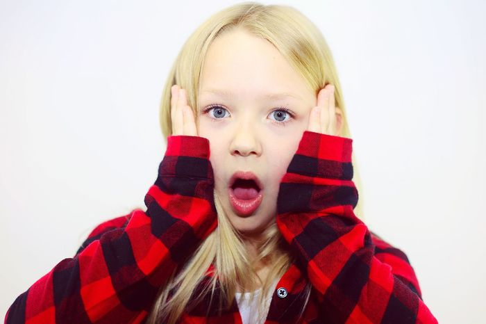 Portrait Headshot Looking At Camera Front View Studio Shot Blond Hair Little Girl Long Hair Child EyeEm Selects One Girl Only Human Face Close-up Blue Eyed Girl Scared Face Not Listening In Awe Shocked Face Shocked One Person People In Shock Afraid Unbelievable Surprised