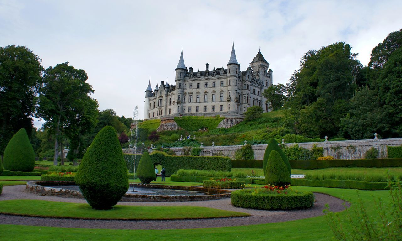 Straight out of a fairytale Architecture Building Exterior Castle Day Dunrobin Castle English Garden Europe Fairytale  Formal Garden Garden Grass Holidays Nature Ornamental Garden Outdoors Park Scotland Sightseeing Sky Traveling Tree Uk