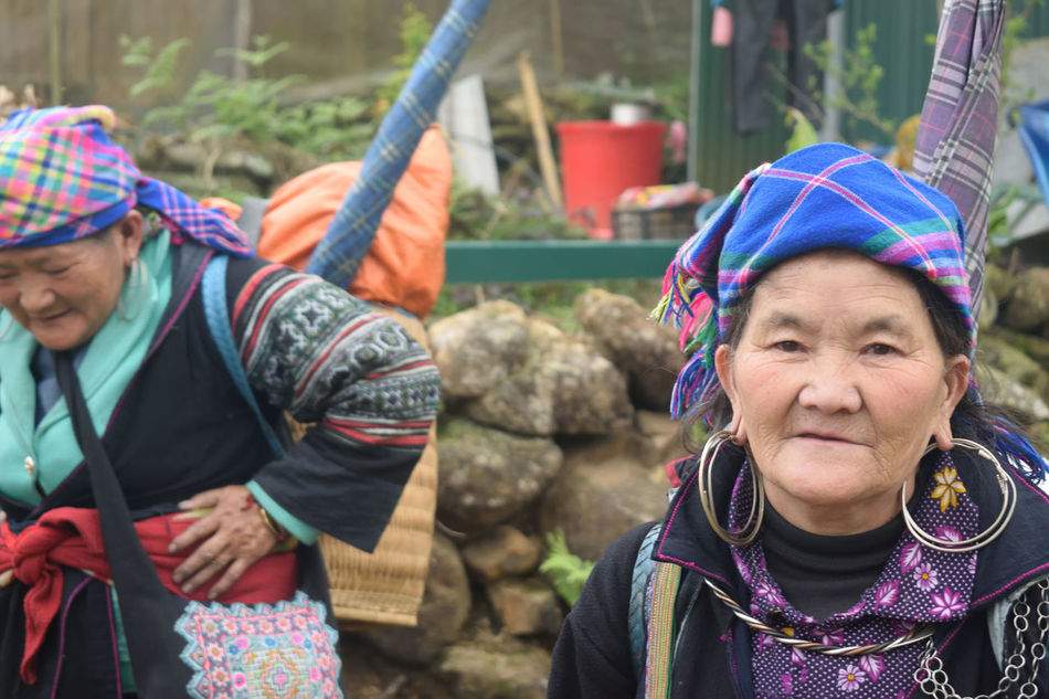 Mature Adult Adult Headshot Mature Women Outdoors People Women Senior Adult Men Warm Clothing Headwear Adults Only Day Travel Vietnam Travel Destinations Lifestyles Sapa Valley Sapa, Vietnam Minority Tribe Portrait Happiness Rural Scene Hmong Hmongtribe