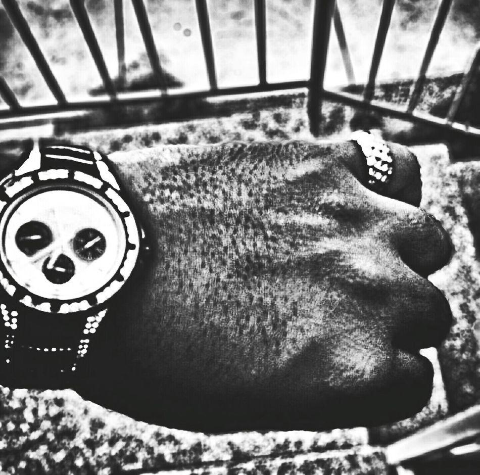 Time Taking Photos Taking Pics Taking Pictures Blackandwhite Black & White Blackandwhite Photography Black And White Photography Check This Out Delophotos EyeEm Best Shots