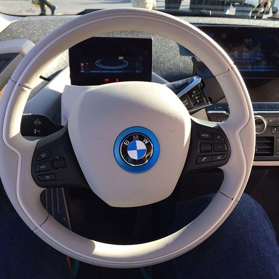 Bmwの電気自動車i3に乗ってみました