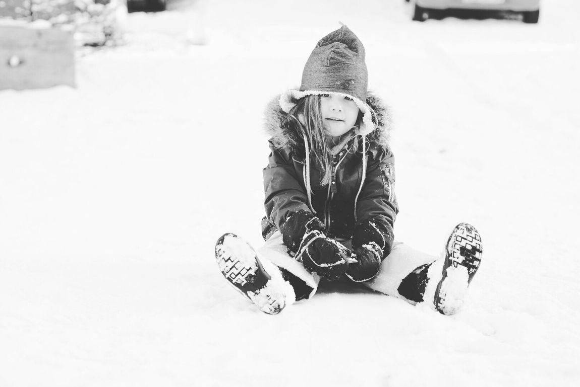 Snow Sports Winter Snow Cold Temperature Childhood Child One Person Children Only Leisure Activity Sitting Winter Sport One Boy Only Outdoors Knit Hat Ski-wear Day Snowboarding Ski Holiday Real People People