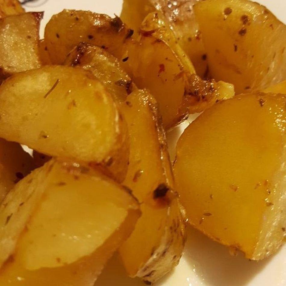 Baked Potatoes Foodie Foodporn foodinstagood insta italy italia followme follow4follow follow love