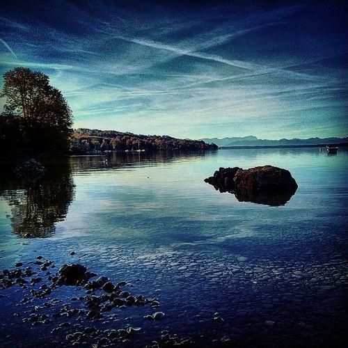 Midmorning run Starnberg Lake Ostufer Outdoors workkout peaceful serenity bluesky weissblau