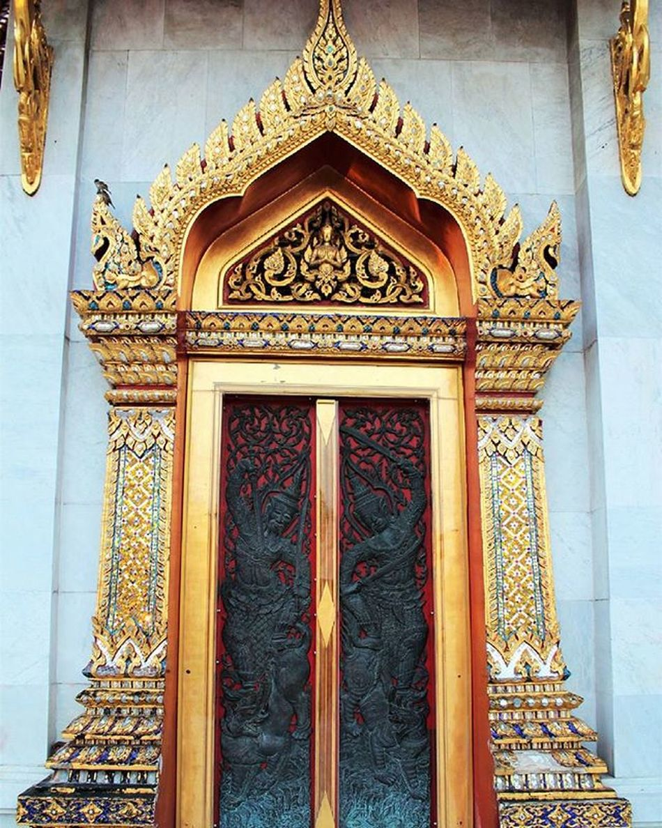 A beautiful gate Gate Watbenchamabopit Marbletemple Thailand