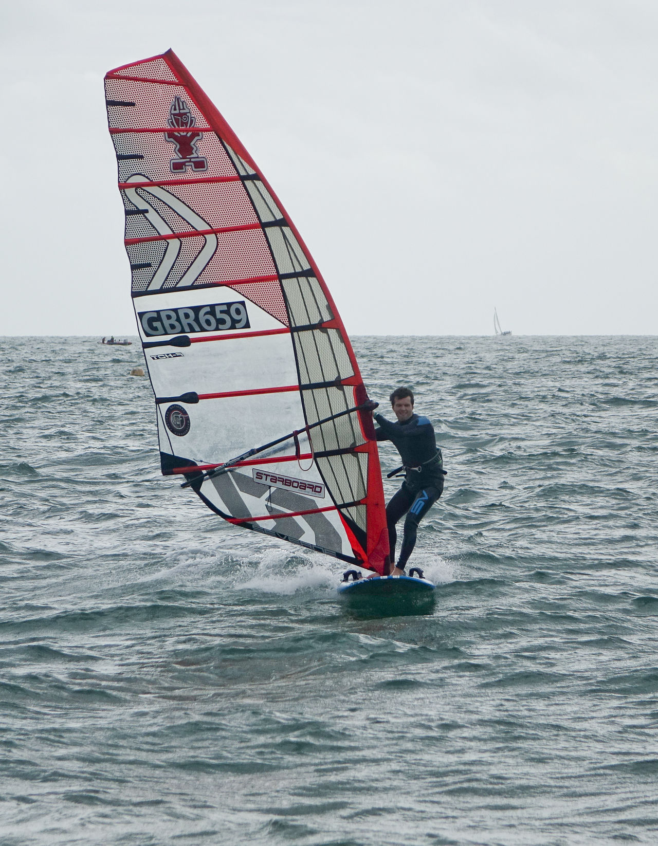 Hayling Island, UK. 3rd September 2016. Windsurfers competing in the National Watersports Festival. Low pressure conditions provided strong winds for this annual event. England England🇬🇧 Festival Fleet Hampshire  Hants Hayling Island  National Watersports Festival Nwf Race Windsurf Windsurf Competition Windsurf Life Windsurfen Windsurfer Windsurfers Windsurfing