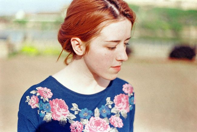 Portrait Portrait Of A Woman Analogue Photography 35mm 35mm Film Zenit Film Photography Ginger Ginger Hair Freckles Pale Lovely Young Women Pretty Summer Sunny Enjoying The Sun Floral The Week On Eyem The Week On EyeEm