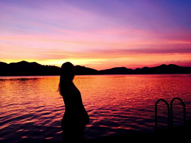Summer Sky Sunset Red Water Sunset_collection Sunset Silhouettes Silhouette River River View Riverside Horizon Horizon Over Water Water Reflections Mountains Romantic Fantasy Colorful Colors Violet Purple