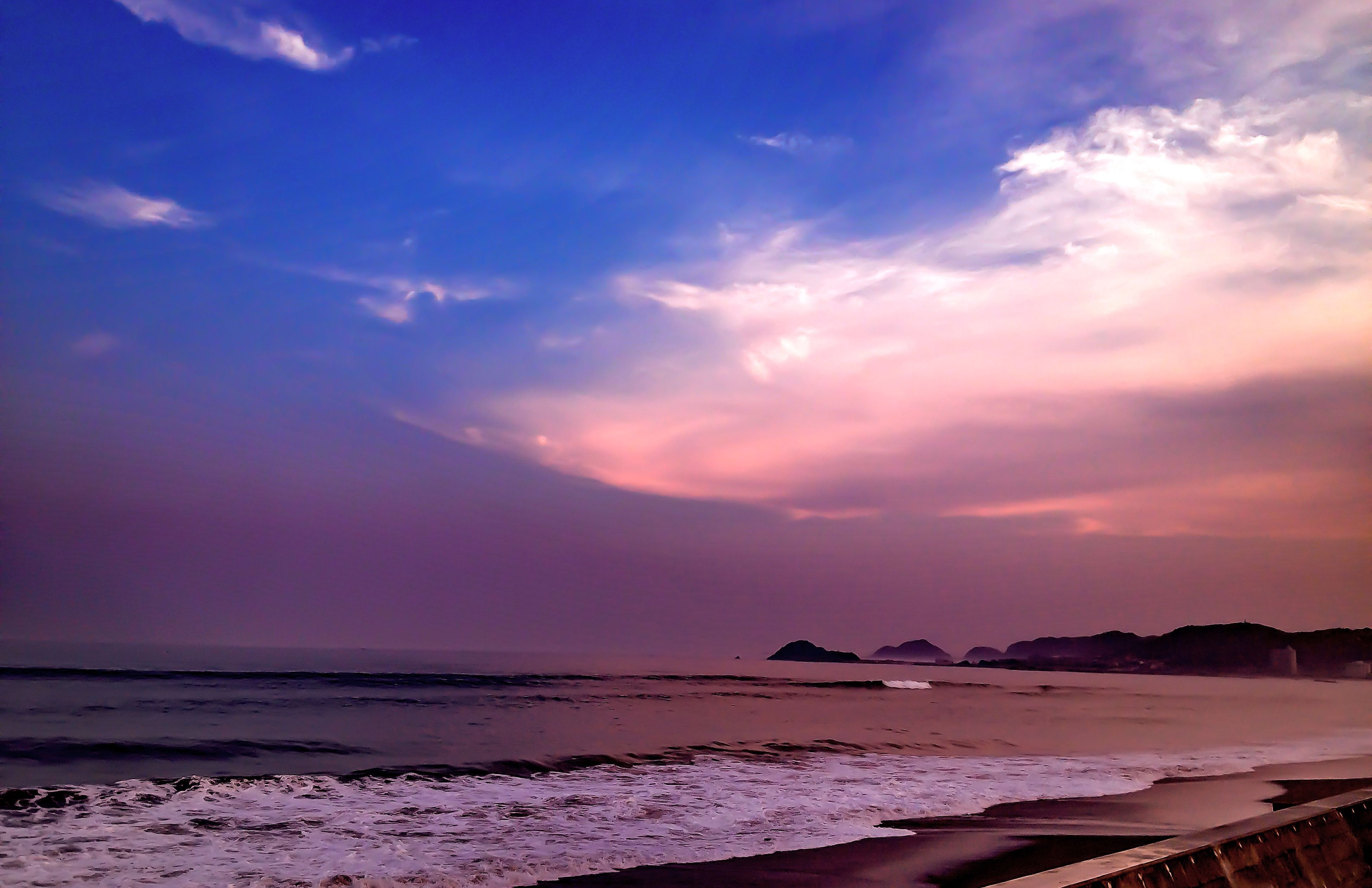 sea, beach, water, shore, sky, scenics, sand, tranquil scene, tranquility, horizon over water, beauty in nature, sunset, nature, cloud - sky, idyllic, coastline, wave, cloud, outdoors, cloudy