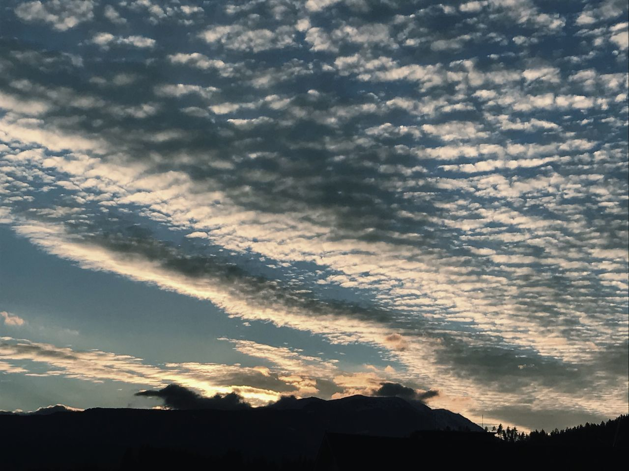Cloud - Sky Sky Beauty In Nature Silhouette Sunset Outdoors Dramatic Sky Low Angle View Mountain Scenics Tranquil Scene Dobratsch Villach