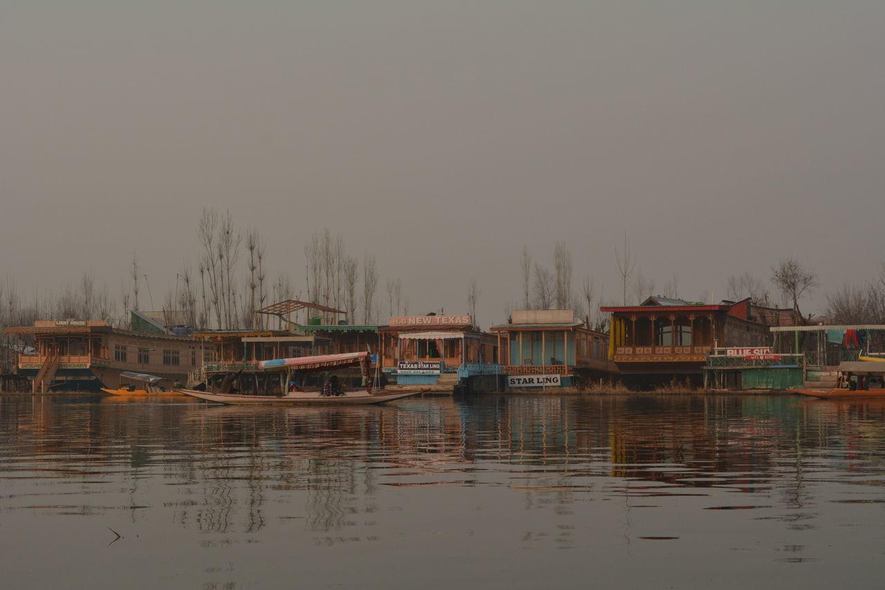 Dal Lake, Kashmir, India. Dallakesrinagar Dallake Dallakebeauty Dallakeview Kashmir , India Kashmirdiaries Kashmir Beauty Lakeshore Morning Light Morning View Wintertime