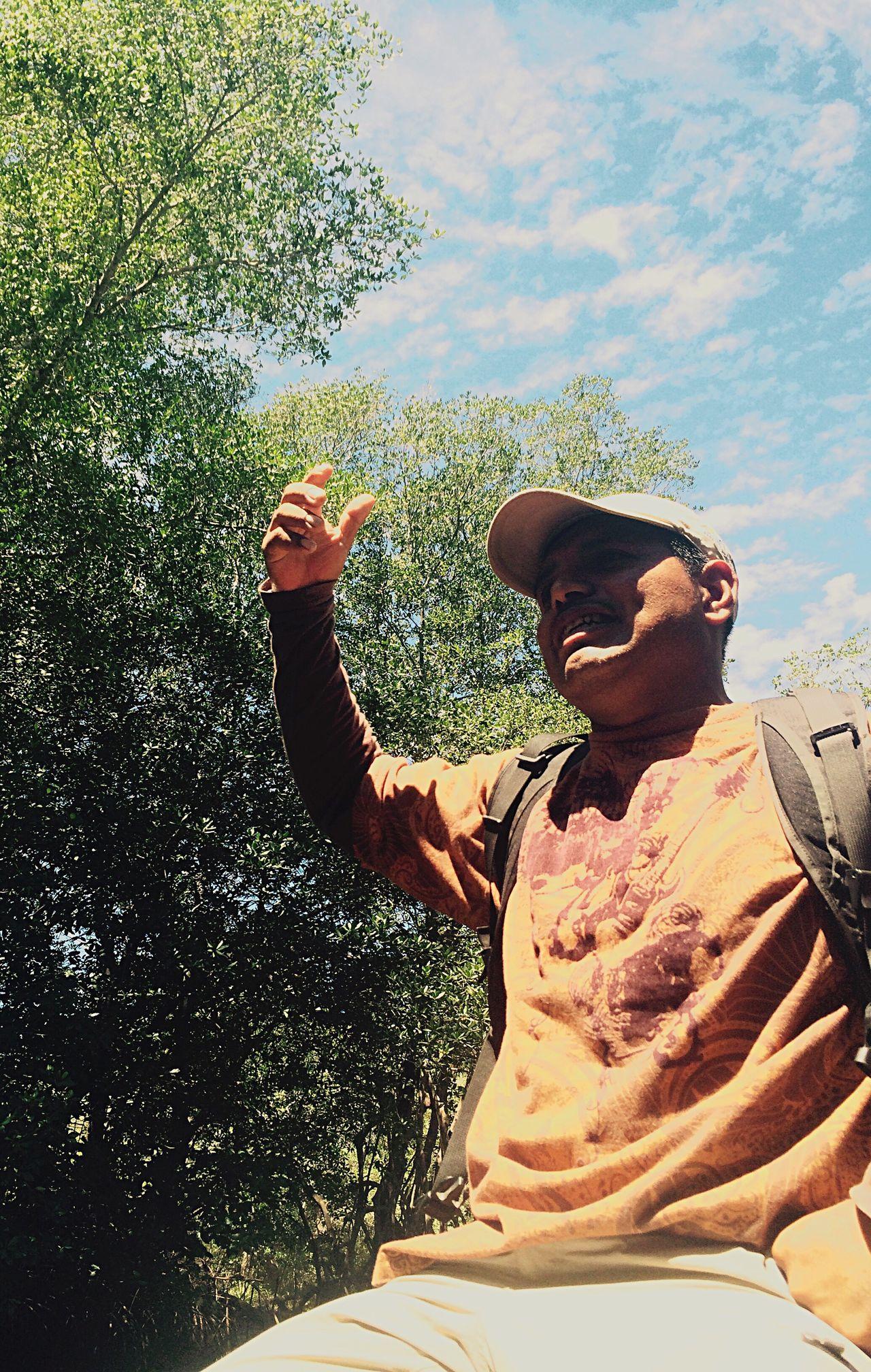 The Following Tour Guide Mangrove Life Mangrove Tour El Salvador On The Way