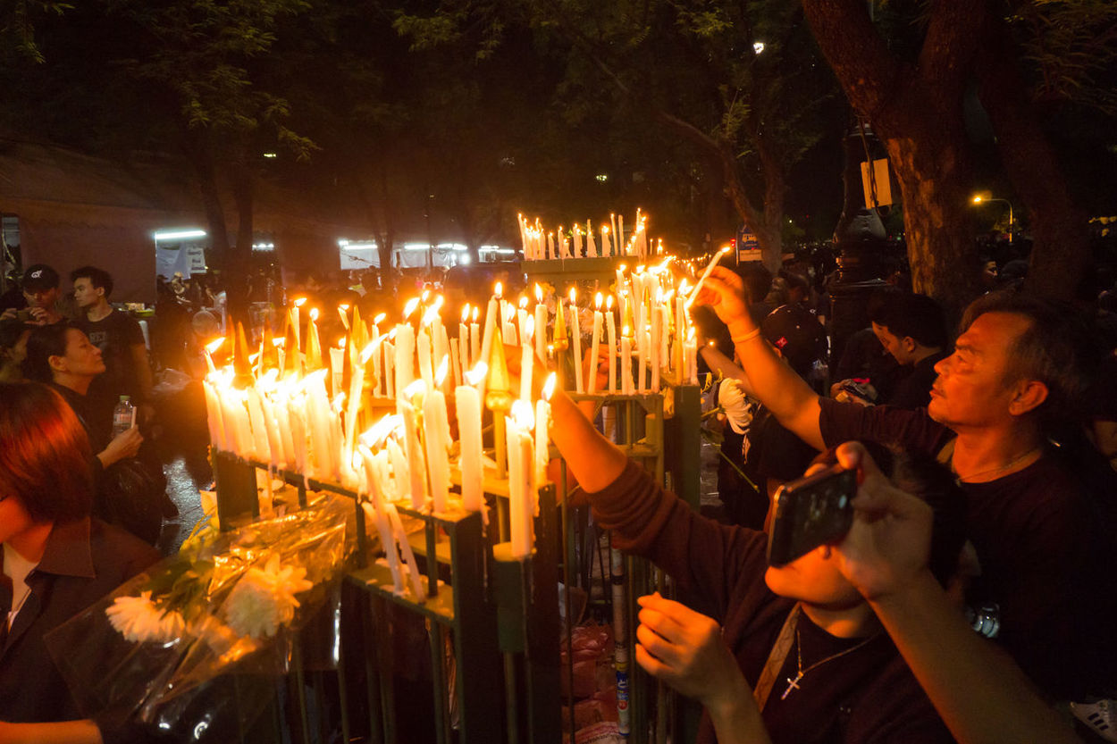 Bangkok Thailand 22 october 2016 , population mourn King Bhumibol Adulyadej at sanamlaung Around Bangkok Candle Candlelight City Cry King King Bhumibol Adulyadej King Of Thailand Mourn Mourning Night People Population Sanamluang Thailand Weep