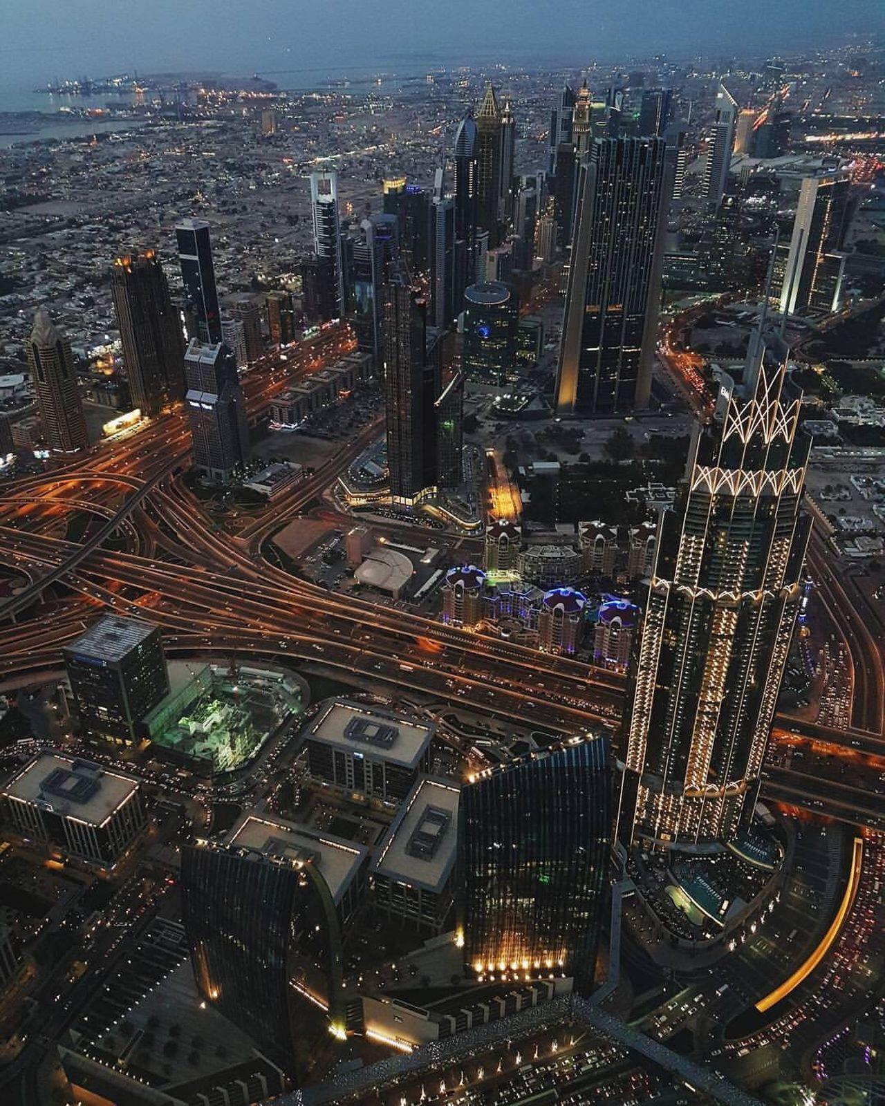 dusk @the top burj khalifa Dubai Mall DXB Burj Khalifa Night Skyscraper At The Top Neighborhood Map The Architect - 2017 EyeEm Awards