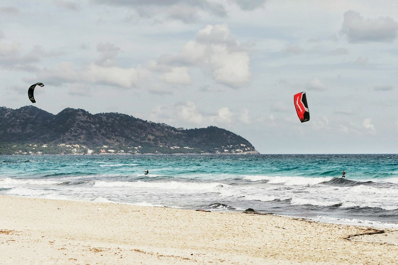 Kitesurfing Kiteboarding Sea Water Wave Cloud - Sky Beach Nature Outdoors Sky Day Walking Around Taking Pictures Ocean View Taking Photos Check This Out Canon Canonphotography Mallorcaphotographer Mallorca Eyeemphotography