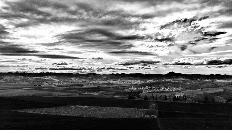 Auvergne Myauvergne Nouveaumonde AuvergneRhoneAlpes IPhoneography Nature On Your Doorstep Clouds And Sky Clouds Chainedespuys Melancholic Landscapes Landscape_Collection Landscape_photography Blackandwhite Black And White Black & White Blackandwhite Photography Black&white Noir Et Blanc Noiretblanc The Great Outdoors Monochrome Skyporn Enjoying The View Peace And Quiet Sky