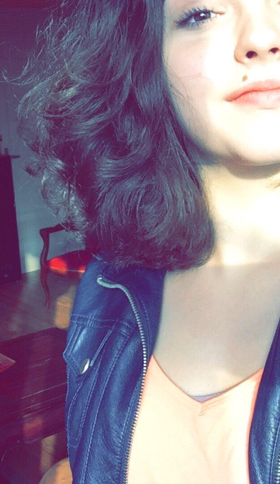 French Freedom Frenchgirl Beautiful Girl Girls Hair Beautiful ♥ Beauty Beautiful Girl Bella Italia Focfoel Selfi Selfportrait Selfie ✌ Selfies Selfie✌ Selfie Portrait Selfie ♥ Bella Selffie France Lol :) Dance Bestoftheday