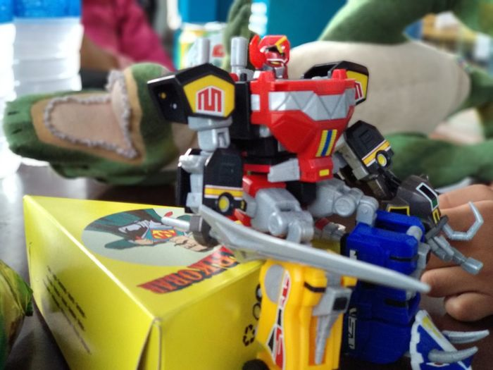Resting after slaying the monster EyeEm Selects Indoors  Close-up No People Toyphotography Toys MegaZord Superminipla Daizyujin Justforfun